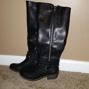 Never used tall black man-made leather boots